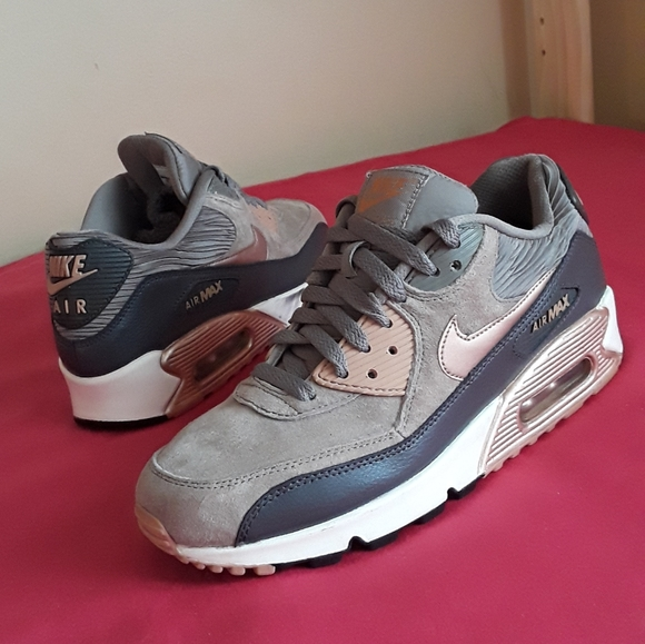 Nike Air Max 90 Suede Leather Sz 9.5 Women & 8 Men